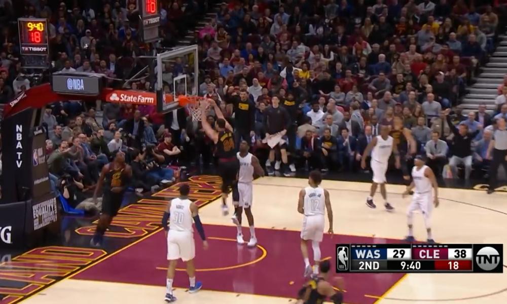 10 momentet më spektakolare të ndeshjeve të mbrëmjes në NBA